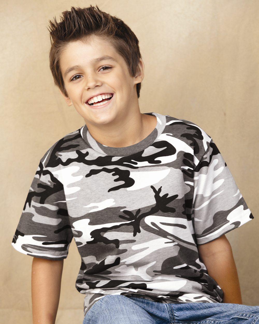 West Fargo School Suspends Kid For Wearing Camouflage Shirt