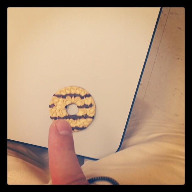 Instagram Retro Finger Wiener Want Cookie